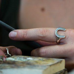 horseshoe signet