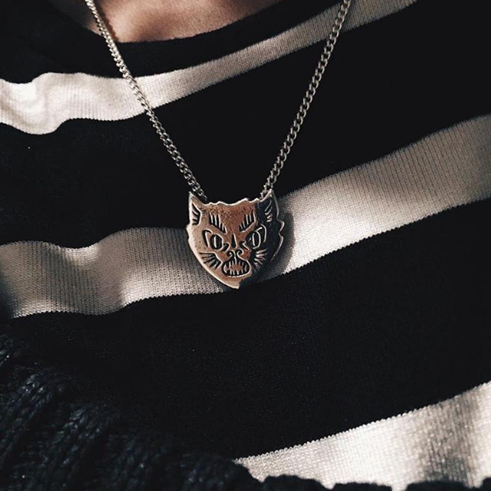 bad-cat-pendant-2