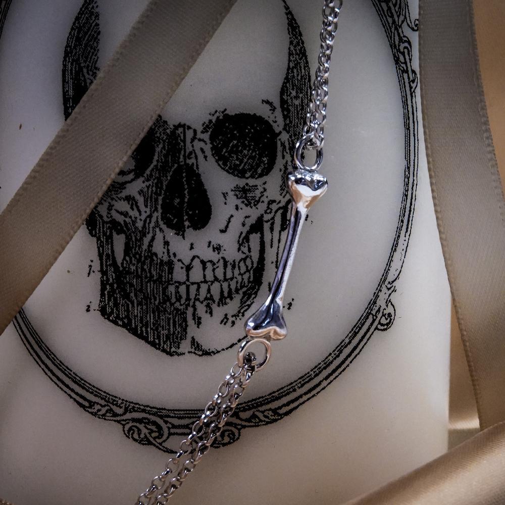 lonely bone chain pendant