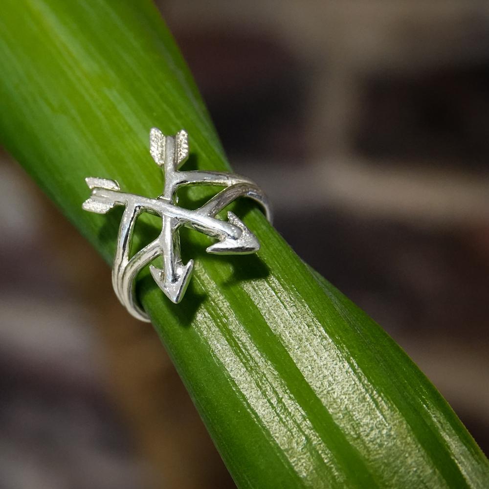 crossed arrows ring